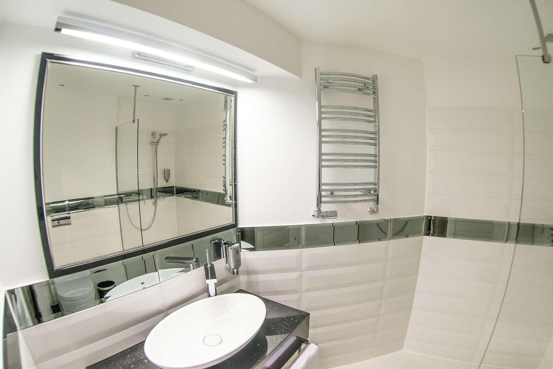 nowoczesna łazienka w villi rubinstein w wiśle